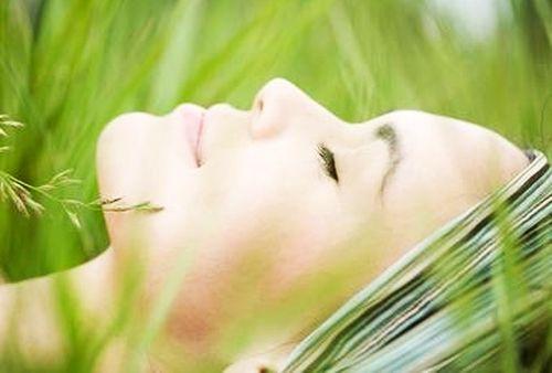 cimbru de camp pentru acnee