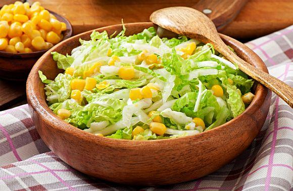 Salata de varza cu porumb