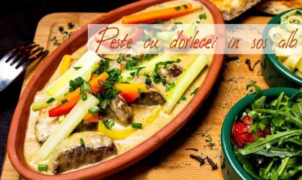 Peste in sos alb cu dovlecei