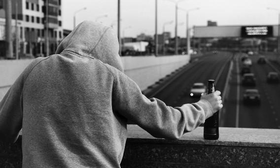 Rugăciune către Maica Domnului pentru izbăvirea din patima alcoolului