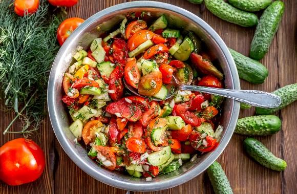 Salata ciobanului – reteta arabeasca