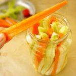 Sticksuri de legume crude – gustari sanatoase pentru cura de slabire