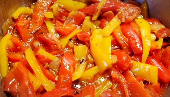 Peperonata - mancare italiana de ardei