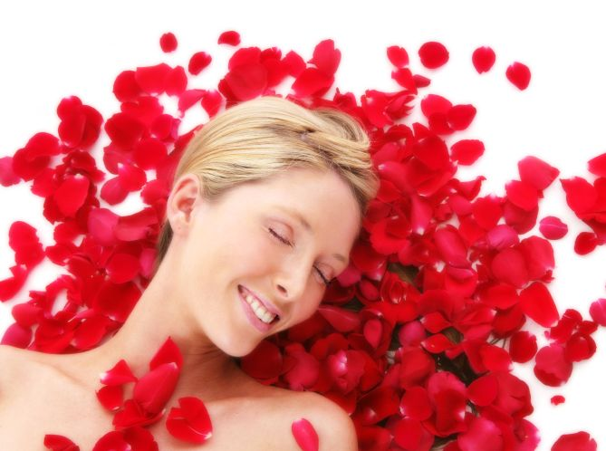 Uleiul de Trandafir - Pentru MInte, Corp şi Inimă