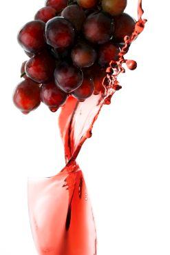 Vinul Roşu: Elxir Anti-Cancer