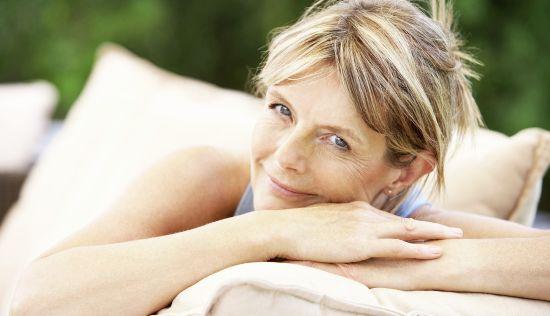 Remedii Naturiste Pentru Menopauză: Formule de Ceai și Tinctură