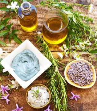 Cum se Prepară Tinctura, Alifia, Sucul și Uleiurile din Plante