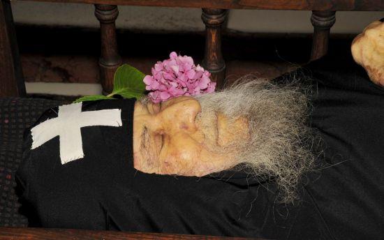 Starețul Iosif Vatopedinul - Care A Zâmbit la 45 de Minute După Moarte