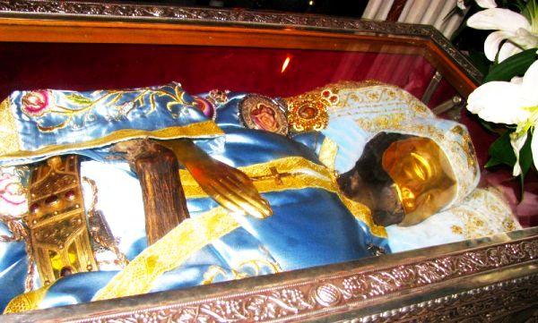 Moaştele-Sfântului-Ioan-Rusu