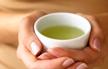 Ceai de Crețișoară și Zmeur – Tratament Pentru Fibrom Uterin și Chisturi Ovariene