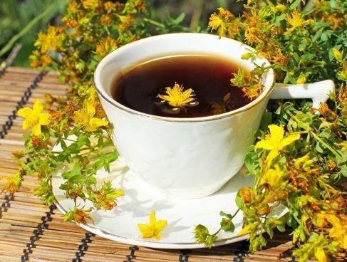 Ceaiul de Sunătoare Combate Îngrășarea Pe Fond Nervos