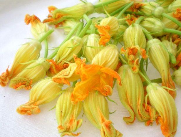 Gogoși cu Flori de Dovleac