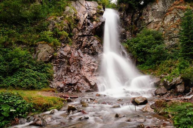 cascada-varciorog-51037-l.jpg