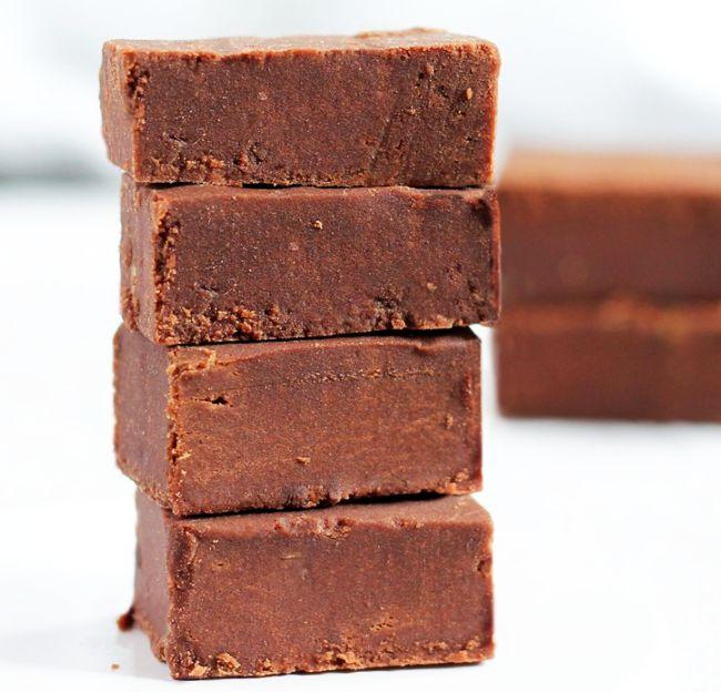 Ciocolat neagr cu mult cacao cea mai s n toas for Ciocolata de casa reteta clasica