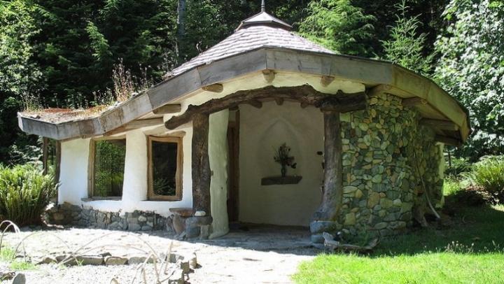 cob-village-berca-buzau-case-ecologice