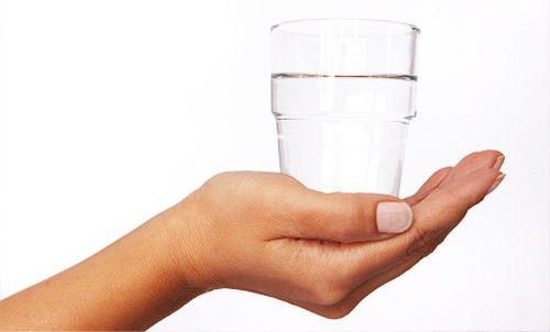 apa ajută la slabit