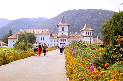 Aleea Mănăstirii Brâncoveanu