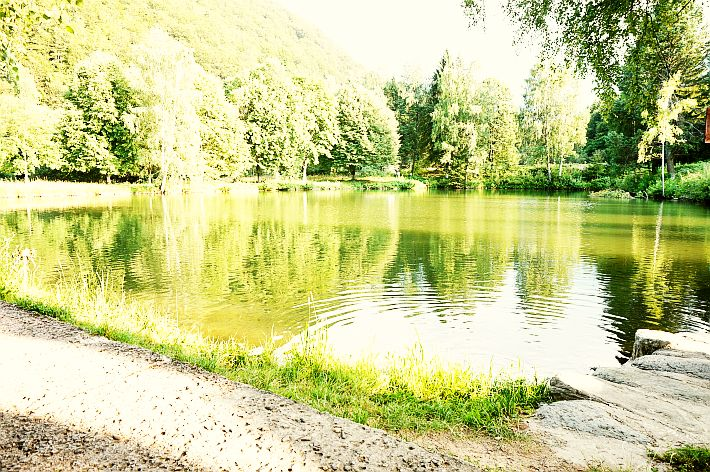 Lacul din spatele Mănăstirii Brâncoveanu