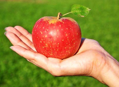 Un Măr Pe Zi